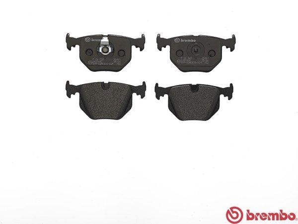 画像1: BMW (E83) / リア ブレーキパッド 左右セット / 34213403241 / Brembo (1)